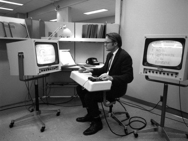 """""""Hackers: Wizards of the Electronic Age"""" – klasyczny dokument na temat rewolucji komputerowej"""