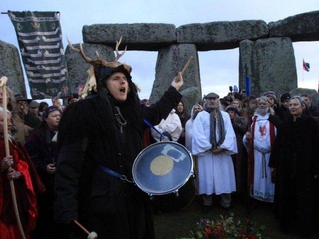 Obchody Przesilenia Zimowego w Stonehenge: relacja na żywo!