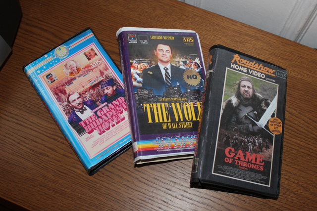 Francuski dizajner zamienia współczesne filmy i seriale TV w kasety VHS!