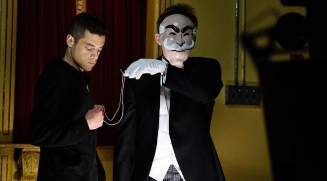 """Drugi sezon """"Mr. Robot"""" dosłownie ukłoni się wirtualnej rzeczywistości"""