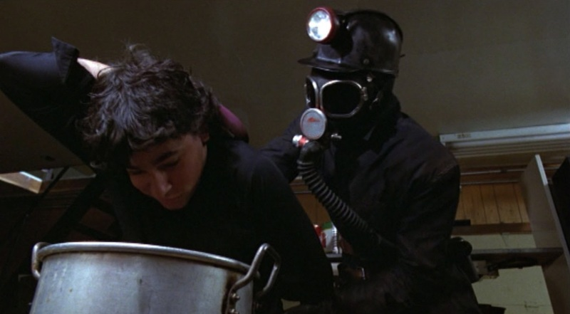 my-bloody-valentine-killer-hot-dog-boiling-water-1981