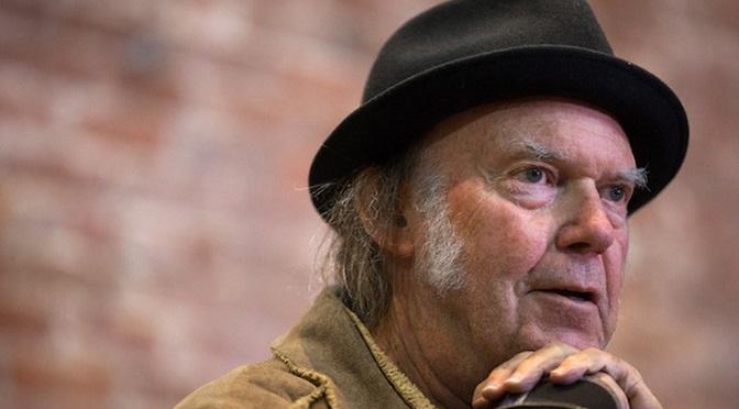 Neil Young mówi, jak zbić ciężką fazę po marihuanie!