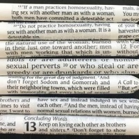 Czy wiedziałeś, że jeśli zabrakło ci bletek, możesz użyć Biblii?