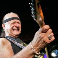 """W wieku 81 lat zmarł Dick """"Król Surfowej Gitary"""" Dale"""